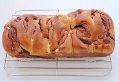 Kanelbrød - blødt, sødt og syndigt - Sofies Spisekammer Cheesesteak, Bread, Ethnic Recipes, Food, Content, Brot, Essen, Baking, Meals