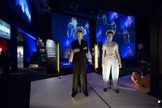 Installation-Shot-of-David-Bowie-is-courtesy: David-Bowie-Archive-cVictoria-and-Albert Museum London