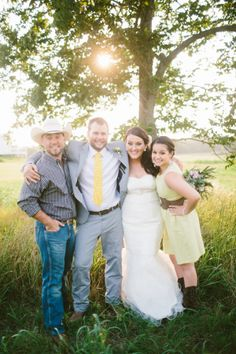 country wedding party looks http://www.weddingchicks.com/2013/09/06/intimate-country-elopement/