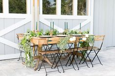 Emerald and gold wedding inspiration by editorial shoot at Up The Creek Farms. Photographer Amalie Orrange Photography