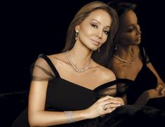Isabel Preysler - Page 2 - the Fashion Spot Lovely Dresses, Elegant Dresses, Feather Dress, Advanced Style, Ageless Beauty, Chanel Fashion, Chanel Style, Miranda Kerr, Fashion Over 50