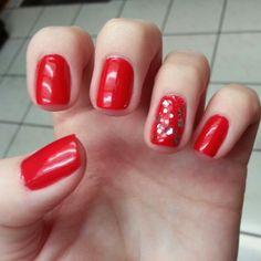 Red sparkle nails! Instagram:Lizetteo21 #xmas #red #nailart