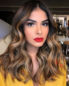 trendy hair color ideas for brunettes balayage red natural Golden Brown Hair Color, Brown Hair Colors, Golden Hair, Hair Color Highlights, Hair Color Balayage, Partial Highlights, Highlights For Brunettes, Caramel Highlights On Dark Hair, Balayage Highlights