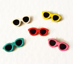 Set of 5 Vintage Pinback Sunglasses Buttons Retro 80's New Wave Accessory Red Blue Pink White Yellow