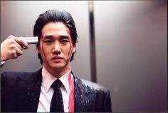 """""""Dae-su Oh talks too much. """"  oldboy"""