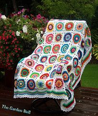 like this crochet circle of friends afghan - especially the finishing