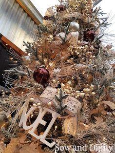 10 Cool DIY Christmas Decor Ideas