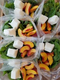 Peaches n' Cream green smoothie prep packs this week! {Peaches are in season so we decided to use them for our smoothies . 2 servings per packet Ingredients in each packet (adjust to your liking): 2 ripe peaches sliced frozen Greek yogurt cubes (fr Freezer Smoothies, Healthy Smoothies, Healthy Drinks, Healthy Snacks, Healthy Recipes, Green Smoothie Recipes, Detox Drinks, Drink Recipes, Nutrition Drinks