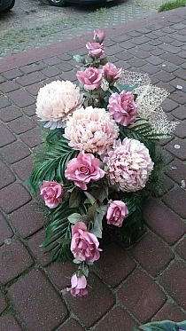 wianki, Boże Narodzenie na Stylowi.pl Hotel Flower Arrangements, Christmas Floral Arrangements, Beautiful Flower Arrangements, Flower Centerpieces, Flower Decorations, Beautiful Flowers, Casket Flowers, Grave Flowers, Cemetery Flowers
