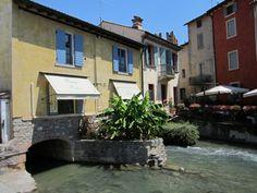 Enkele prachtige huisjes in Borghetto Lake Garda, Verona, Places Ive Been, Travel, Viajes, Destinations, Traveling, Trips