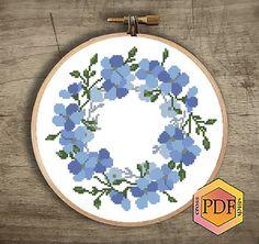 Modern Cross Stitch Patterns, Cross Stitch Charts, Cross Stitch Designs, Simple Embroidery, Embroidery Hoop Art, Dmc, Beautiful Patterns, Floral Wreath, Handmade Items