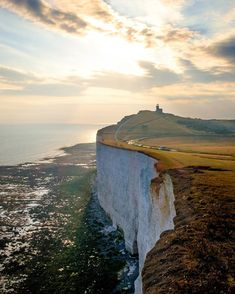 When you'll drive east from Brighton and past Seven Sisters there is place called Beachy Head. Portsmouth, Oh The Places You'll Go, Places To Visit, Beautiful World, Beautiful Places, Landscape Photography, Travel Photography, Hallstatt, Brighton England