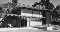 The Strawbridge house (Mill Valley - 1950) shows another Stein device, using a trellis to create an outdoor room as a continuation of interior space.