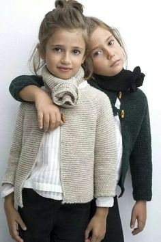 Knitwear for kids - Take a look at this collection of images that show awesome knitwear for kids, including cable sweaters, hats and more. Knitting For Kids, Baby Knitting, Crochet Baby, Tween Fashion, Little Girl Fashion, Ropa Free People, Kids Wardrobe, Stylish Kids, Baby Sweaters
