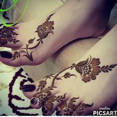 Image about nails in Henna 💫👏🤓 by Aıshā ツ on We Heart It Khafif Mehndi Design, Floral Henna Designs, Finger Henna Designs, Modern Mehndi Designs, Mehndi Designs For Girls, Mehndi Design Pictures, Bridal Henna Designs, Henna Designs Easy, Dulhan Mehndi Designs
