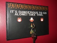 Cosplay Legend of Zelda Inspired Key Hanger. Link, The Legend of Zelda The Legend Of Zelda, Geek House, Deco Gamer, Video Game Memes, Video Games, Key Rack, Decoration Originale, Take My Money, Key Hooks