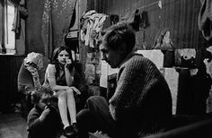 Father-and-children-Gorbals-tenement-1970