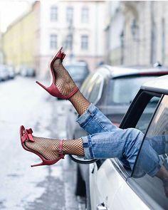 Shoesinyo 😍 SnapChat: shoesinyo #fashion #moda #fashionista #streetstyle #stylish #heels #happy #womenstyle #stylegram #styleaddict #fashionstyle #vogue #dailystyle #fashionheels #streetchic #love #NewYork #losangeles #fashionisnpo #fashiondiaries #fashionista #fashiongram #fashionable #instastyle #instagood #streetlook #shoesinyo #stylebloggers