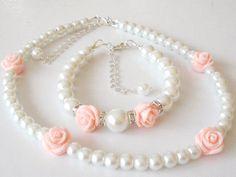 Flower Girl Bracelet and Necklace Set flower girl by Griseldis, $30.00 Little Girl Jewelry, Kids Jewelry, Cute Jewelry, Jewelry Crafts, Wedding Jewelry, Handmade Jewelry, Jewelry Making, Flower Girl Bracelets, Flower Girl Jewelry