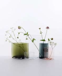 Ruutu—a delicate and simple vase made by mouth blown glass designed by Ronan and Erwan Bouroullec — Medium