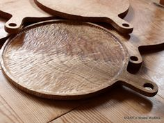 Woodworking Inspiration, Wood Spoon, Wood Cutting, Cutting Boards, Wooden Kitchen, Wood Bowls, Wooden Crafts, Wood Design, Handmade Wooden