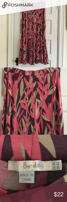 """Boden maxi skirt size 16L GUC Boden brand jersey maxi skirt size 16L. Very slight pilling in one spot, not noticeable. Beautiful and super comfy! 41"""" long and 19"""" across waist. Smoke free home. Boden Skirts Maxi"""