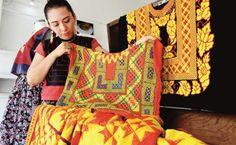 Autoridades religiosas advierten que los tejidos elaborados por empresas chinas o nacionales, desplazan a los confeccionadas por las artesanas
