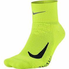 Nike Unisex Elite Cushioned Quarter Running Socks 6-7.5 SX5463-702 #Nike #QuarterHighSocks Running Socks, Running Workouts, Nike Running, Black Socks, Sport Socks, Nike Fashion, Crew Socks, High Socks, Unisex