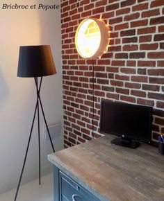 Bureau industriel Diy Lampe, Lighting, Home Decor, Industrial Office, Projects To Try, Decoration Home, Room Decor, Lights, Home Interior Design