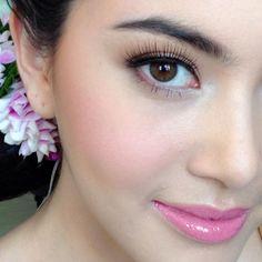 davika  -- instagram : maew_makeup