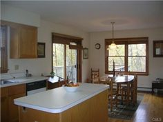 Large kitchens with islands kitchens with islands and kitchenettes on