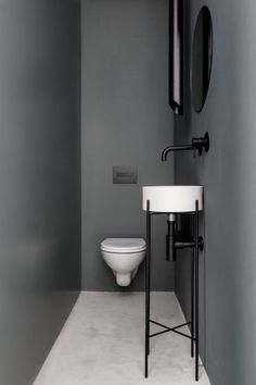 9 Most Simple Ideas: Minimalist Interior Scandinavian Clothes Racks cozy minimalist home minimalism.Minimalist Home Decoration Beds minimalist bedroom storage house.Cosy Minimalist Home Interior Design. Minimalist Apartment, Minimalist Bathroom, Modern Bathroom, Bathroom Black, Neutral Bathroom, Small Narrow Bathroom, Vanity Bathroom, Minimalist Kitchen, Bathroom Cabinets
