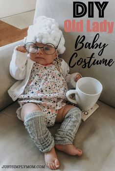 DIY Old Lady Baby Girl Halloween Costume. Dress her in style this halloween wit… Advertisements DIY Old Lady Baby Girl Halloween Costume. Dress her in style this halloween with a hilarious costume that you can make yourself. Halloween Bebes, Baby Girl Halloween Costumes, Baby First Halloween, Diy Halloween, Cute Baby Girl Costumes, Homemade Baby Costumes, Mom And Baby Costumes, Halloween 2019, Baby Old Lady Costume