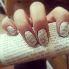 De krant op je nagels