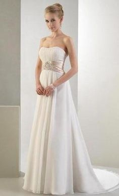 Venus PA9990 14: buy this dress for a fraction of the salon price on PreOwnedWeddingDresses.com