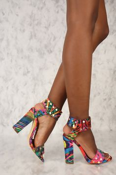 high heels – High Heels Daily Heels, stilettos and women's Shoes Pretty Shoes, Beautiful Shoes, Cute Shoes, Dries Van Noten, Shoe Boots, Shoes Heels, Dress Shoes, Chunky High Heels, Winter Mode