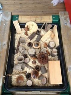 An activity at Carers Nest Pre-school open day~ could use for Autumn themed books Nursery Activities, Nature Activities, Sensory Activities, Preschool Activities, Motor Activities, Sensory Tubs, Baby Sensory, Sensory Play, Sensory Boxes
