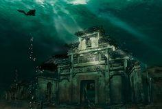 Shi Cheng, la cité des lions, fut noyée en 1959 pour permettre la construction d'une station hydraulique.