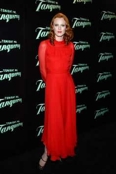 Karen Elson Evening Dress - Karen Elson was red hot at the 'Tonight We Tanqueray' launch wearing a red Gucci evening gown. The long dramatic gown featured sheer sleeves and was the perfect statement piece for the red-headed model. Karen Elson, Dress Up, High Neck Dress, Color Me Beautiful, Nice Dresses, Formal Dresses, Vogue Covers, Red Carpet Fashion, Black Tie