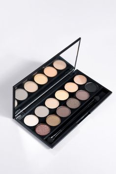 Sleek I-Divine Eyeshadow Palette - Au Natural