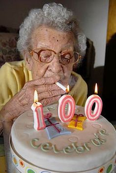 Ideas funny happy birthday pictures for women humor hilarious Patrick Sebastien, Funny Old People, Happy Old People, Old Women Funny, Old People Memes, Old People Love, People Videos, Crazy People, People Quotes