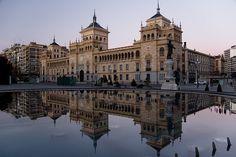 Reflejo de Amanecer   Plaza Mayor, Castilla y León, España  Por Weiko Roberto
