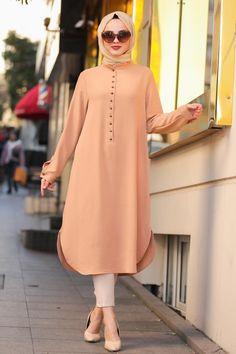 Street Hijab Fashion, Muslim Fashion, Modest Wear, Modest Dresses, Baby Frocks Designs, Muslim Dress, Dress Indian Style, Frock Design, Fashion Capsule