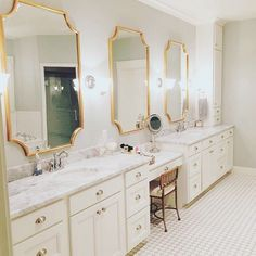 It's easy to get ready for the weekend at suit! We love how she glammed up her vanity with our Scallop Gold Leaf Mirrors. Glamorous Bathroom, White Vanity Bathroom, Beautiful Bathrooms, Bathroom Design Inspiration, Design Ideas, Design Design, Interior Design, Bathroom Renovations, Bathroom Ideas