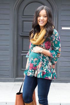 Maternity Outfit inspiration: Floral Top + Skinnies + Boots + Tote + Infinity Scarf