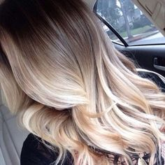The new hair trend: Balayage. The new hair trend: Balayage. Cheveux Oranges, Ash Brown Hair, Dark Brown, Brown To Blonde Ombre Hair, Blonde Dip Dye, Platinum Blonde Ombre, Blonde Waves, Dark Ash, Gold Blonde
