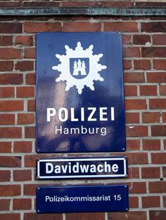 Polizei Hamburg Reeperbahn Davidwache German Police, Thin Blue Lines, Police Cars, Where The Heart Is, Homeland, No Time For Me, Germany, Landscape, St Pauli