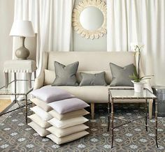 Image from http://howtodecorate.com/wp-content/uploads/2013/07/SKsettee.jpg.