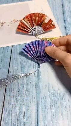 paper crafts - Diy and crafts interests Cool Paper Crafts, Paper Flowers Craft, Paper Crafts Origami, Flower Crafts, Diy Paper, Paper Garlands, Paper Rosettes, Paper Decorations, Tissue Paper