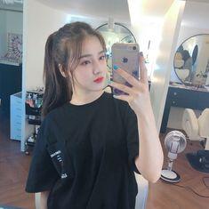 𝚏𝚘𝚕𝚕𝚘𝚠 𝚖𝚎 𝚏𝚘𝚛 𝚖𝚘𝚛𝚎 ©satanjeongyeon Nancy Momoland, Nancy Jewel Mcdonie, Girl Photo Poses, Girl Photography Poses, Girl Pictures, Girl Photos, Ulzzang Korean Girl, Beauty Full Girl, Korean Beauty